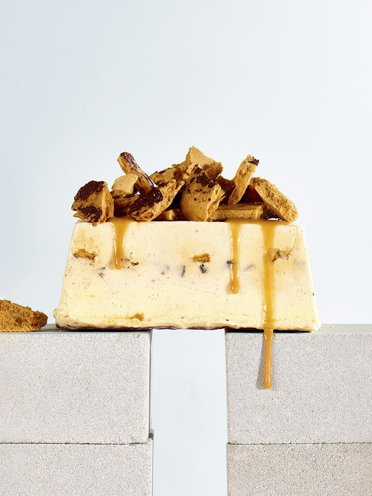 foodstyling receptontwikkeling ijstaart honeycumb caramelsaus.